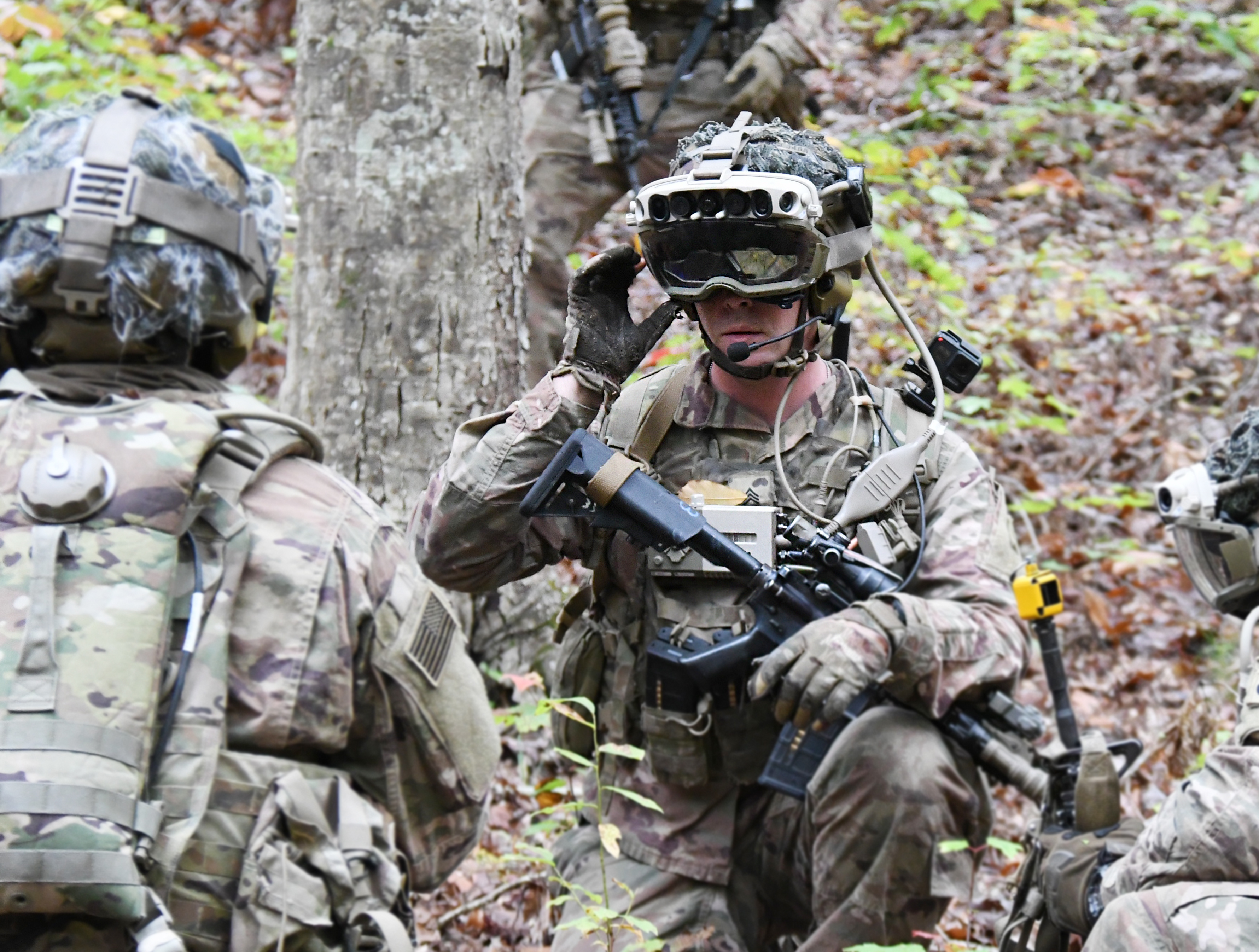 Photo: Bridgett Site, A Soldier uses the IVAS during STP 3 in October 2020.